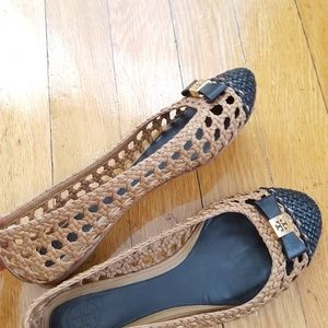 55af0fc11 Tory Burch Shoes - Tory Burch Carlyle Woven Ballet Bow Flat size 6